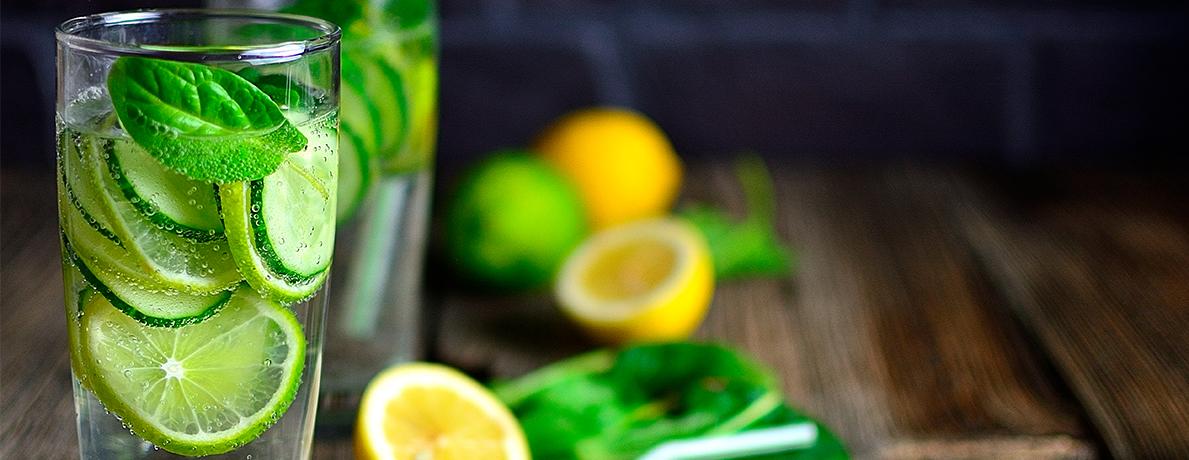 Лимонад з огірком і лаймом